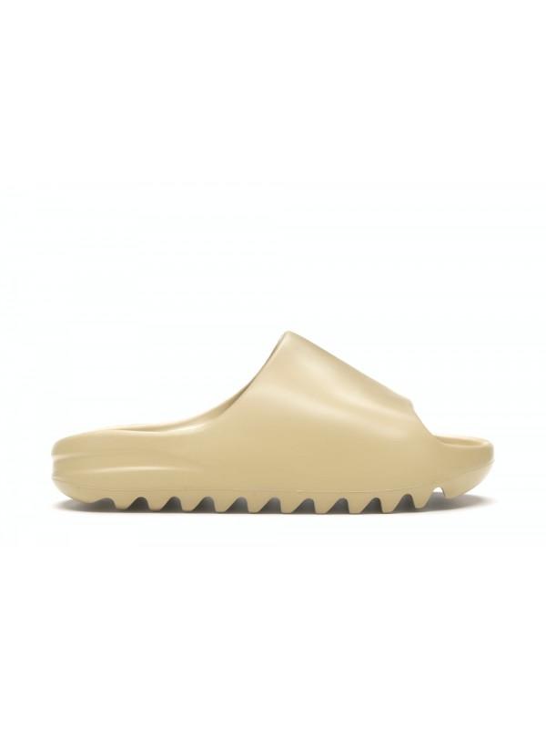 UA Adidas Yeezy Slides Desert Sand (Run a size smaller)